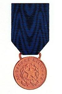 Le Onorificenze - Medaglia e Croce di Guerra al Valor Militare